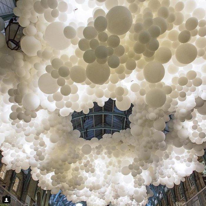 Το trendy Κόβεντ Γκάρντεν του Λονδίνου γέμισε με 100.000 μπαλόνια ! - εικόνα 4