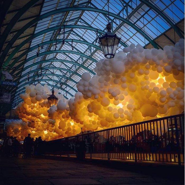 Το trendy Κόβεντ Γκάρντεν του Λονδίνου γέμισε με 100.000 μπαλόνια ! - εικόνα 6