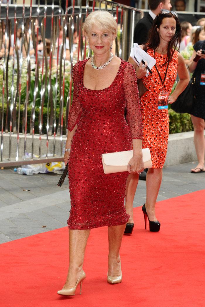 Η grande dame Έλεν Μίρεν με μαγιό στα 70 της! - εικόνα 2