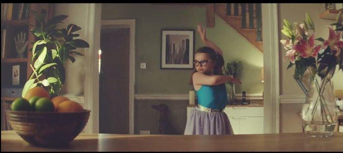 Μια 8χρονη αδέξια μπαλαρίνα έχει τρελάνει όλο τον κόσμο! Δείτε γιατί... - εικόνα 3
