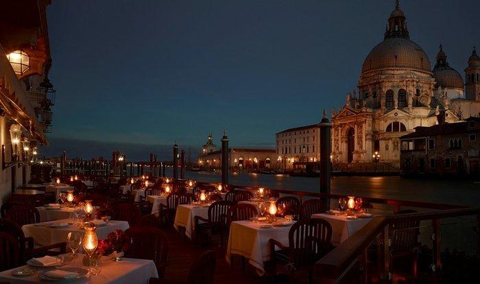 Σε αυτά τα 10 εστιατόρια με φόντο το νερό, θα ερωτευτείς - εικόνα 9
