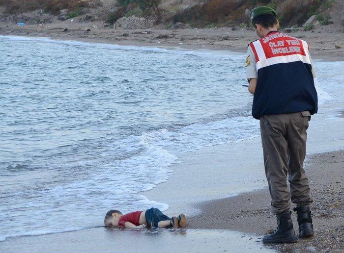 Παγκόσμιο σοκ από τις εικόνες ντροπής, ξύπνησε η Μέρκελ - εικόνα 3