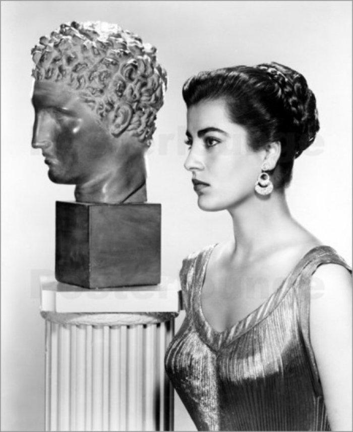 Η «ζωντανή Καρυάτιδα» από το Χιλιομόδι έγινε 89 χρόνων - εικόνα 2