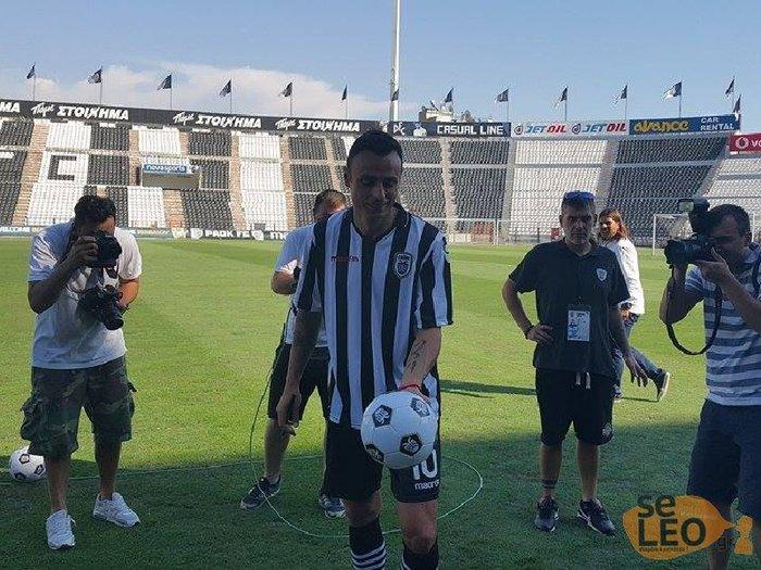 Ο Μπερμπάτοφ αποθεώθηκε κατά την άφιξη του στο γήπεδο του ΠΑΟΚ [Βίντεο] - εικόνα 3