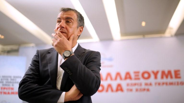 theodwrakis-to-lathos-mas-itan-oti-pistepsame-ton-tsipra