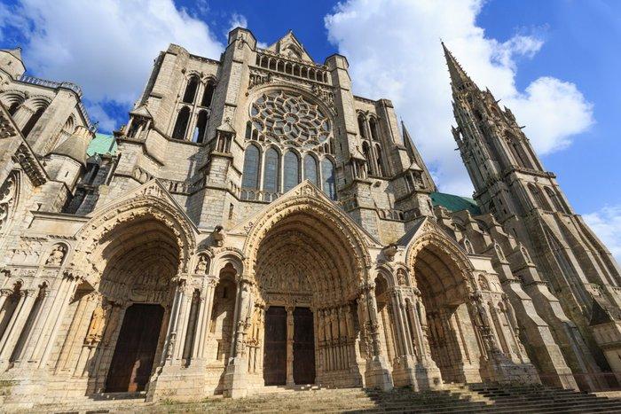 Χτισμένος κοντά στο 1200, ο Καθεδρικός του Καρόλου στη Βόρεια Γαλλία