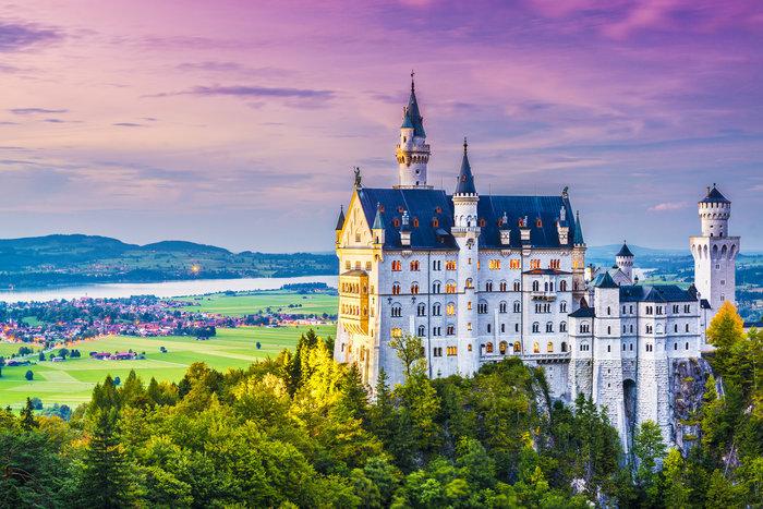 Το Neuschwanstein Castle στη Βαυαρία της Γερμανίας που ενέπνευσε τον Walt Disney.