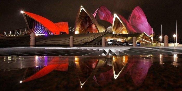 Και η επιβλητική Οπερα του Σίδνεϋ, στην Αυστραλία.