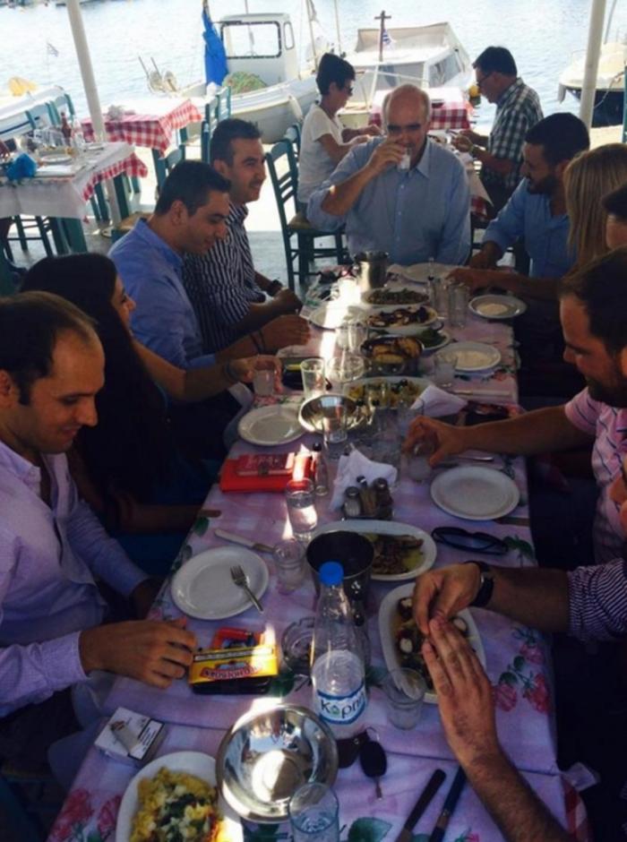 Με τσίπουρο ο Μεϊμαράκης καλεί σε συστράτευση τους νέους