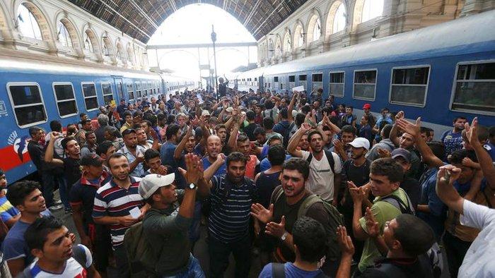 Η Γερμανία αποδεσμεύει ακόμη 3 δισ. για τους πρόσφυγες