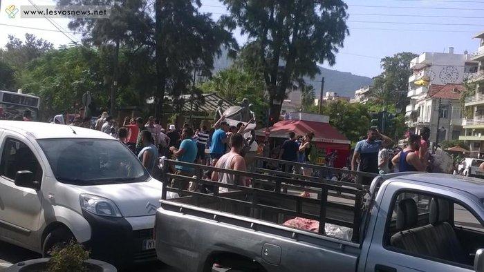 Φωτιές σε καταυλισμό και πορεία μεταναστών στη Μυτιλήνη(φωτο-βίντεο) - εικόνα 5