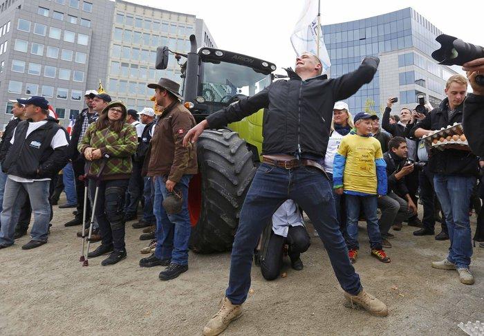 5000 αγρότες σε πορεία διαμαρτυρίας στις Βρυξέλλες ζητούν τη στήριξη της ΕΕ - εικόνα 6
