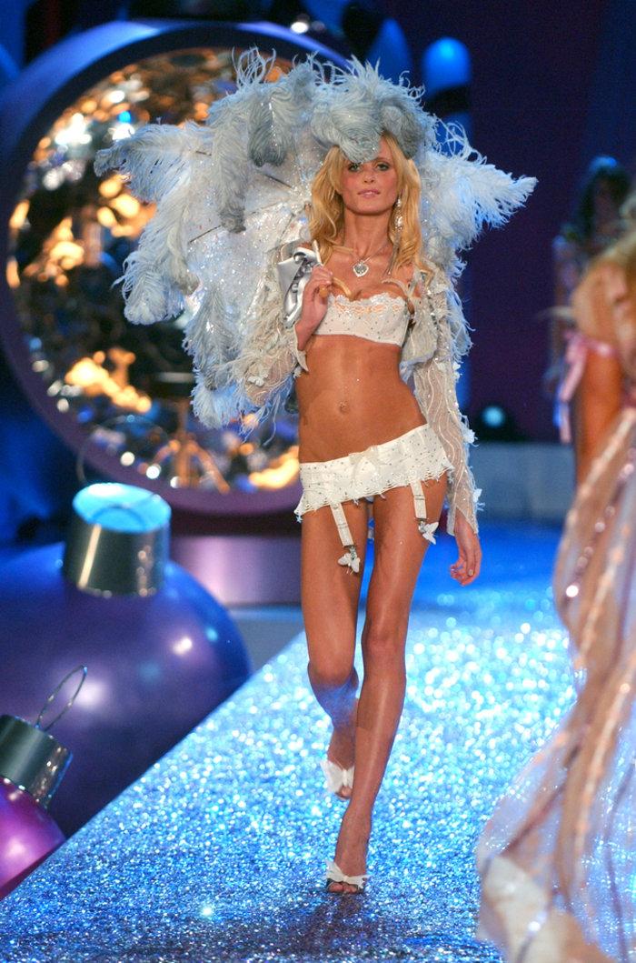 Μάχη για να ζήσει δίνει ο Άγγελος της Victoria's Secret