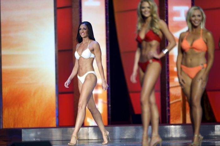 Η καταιγίδα των μπικίνι! Βουλιάζει η πασαρέλα των Miss America - εικόνα 10