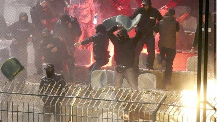 Αθλητική βία στο «κόκκινο», κλείνουν σύνδεσμοι οπαδών - εικόνα 4