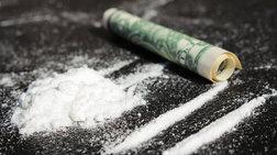 toksikomanis-dilwnei-o-athlitis-montelo-pou-piastike-me-kokaini