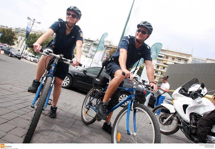 Αστυνομικοί με ποδήλατα & βερμούδες: Έρχονται Ακρόπολη - εικόνα 2