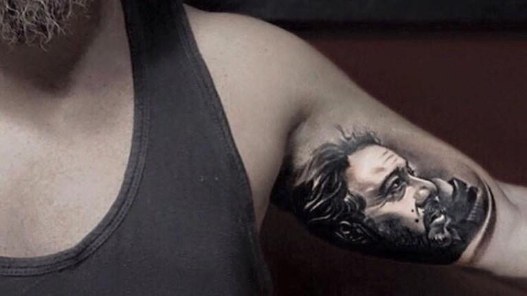 xtupise-tatouaz-ton-patera-tou--gia-panta-mazi-tou