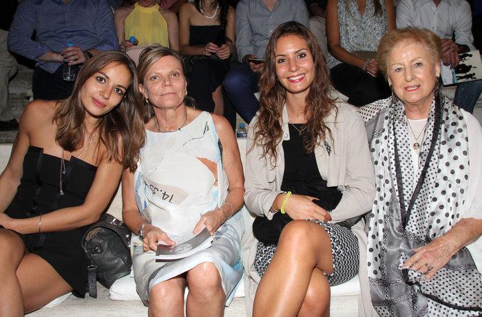 Η γυναίκα του Ντεσπλά, Dominique Lemonnier με τις κόρες τους,Ninon και Antonia και τη μητέρα του