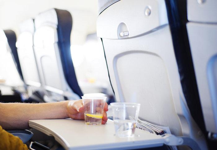 Το πιο βρώμικο μέρος σε ένα αεροπλάνο είναι... (όχι η τουαλέτα)