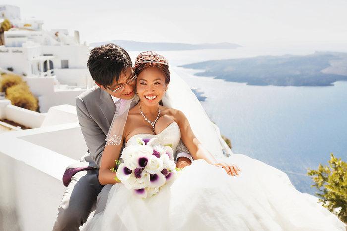 Γάμοι made in China στη Σαντορίνη: Απίστευτη κομπίνα