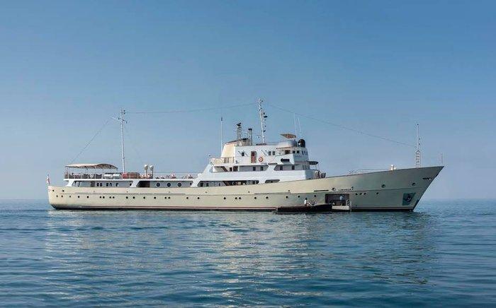 Το Σοβιετικό πλοίο-κατάσκοπος πολυτελής θαλαμηγός πωλείται 25 εκ$