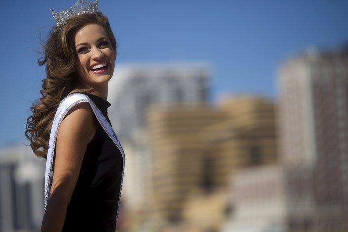 Η νέα Miss USA είναι Ελληνίδα, είναι καλλονή και τη λένε Μπέτι από Βασιλική - εικόνα 9
