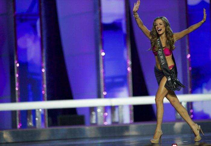 Η νέα Miss USA είναι Ελληνίδα, είναι καλλονή και τη λένε Μπέτι από Βασιλική - εικόνα 2