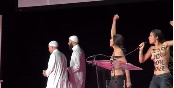 Γυμνόστηθες Femen έφαγαν ξύλο σε συνέδριο μουσουλμάνων (βίντεο)
