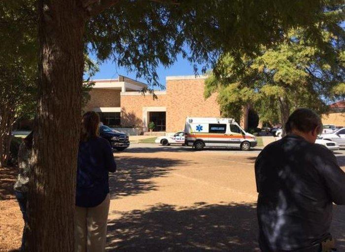 Ενας νεκρός από πυροβολισμούς σε πανεπιστήμιο των ΗΠΑ - εικόνα 2