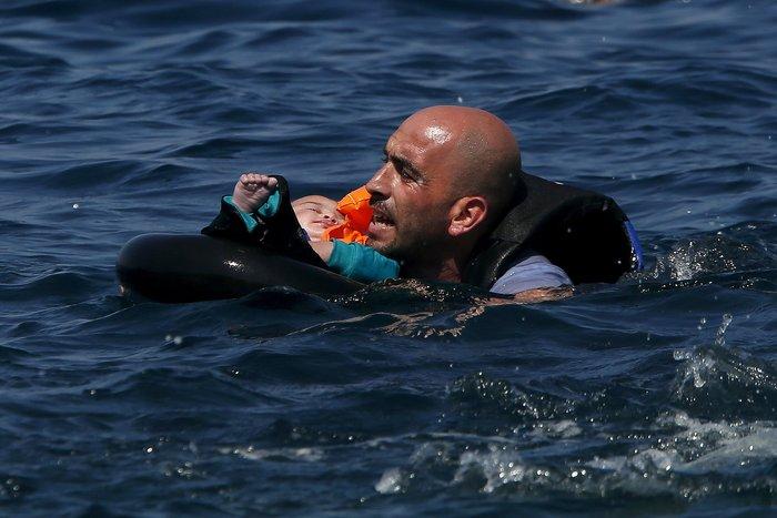 ΕΕ: «Ναυάγησε» η συμφωνία μετεγκατάστασης 120 χιλ προσφύγων - εικόνα 2