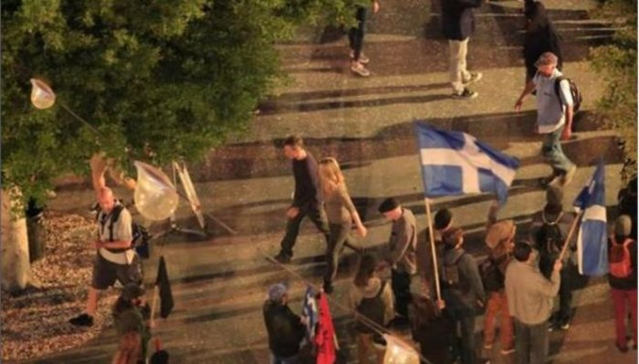 Πως ο Ματ Ντέιμον στην καινούργια ταινία «ξεγυμνώνει» την ελληνική κρίση - εικόνα 3