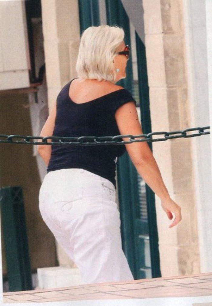 Μαμά Ζέτα σε δράση! Έκανε ποδαρικό στην Ελένη Μενεγάκη - εικόνα 2