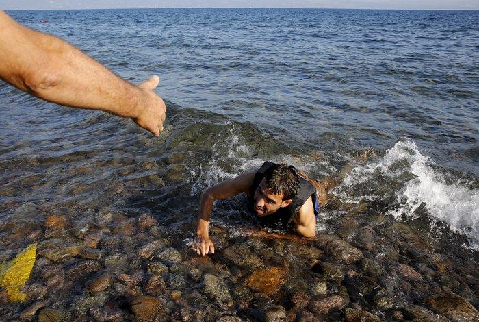 Πάνω από 7.000 πρόσφυγες σε τρεις μέρες στη Λέσβο (φωτο)