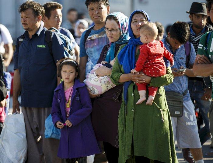Πάνω από 7.000 πρόσφυγες σε τρεις μέρες στη Λέσβο (φωτο) - εικόνα 3