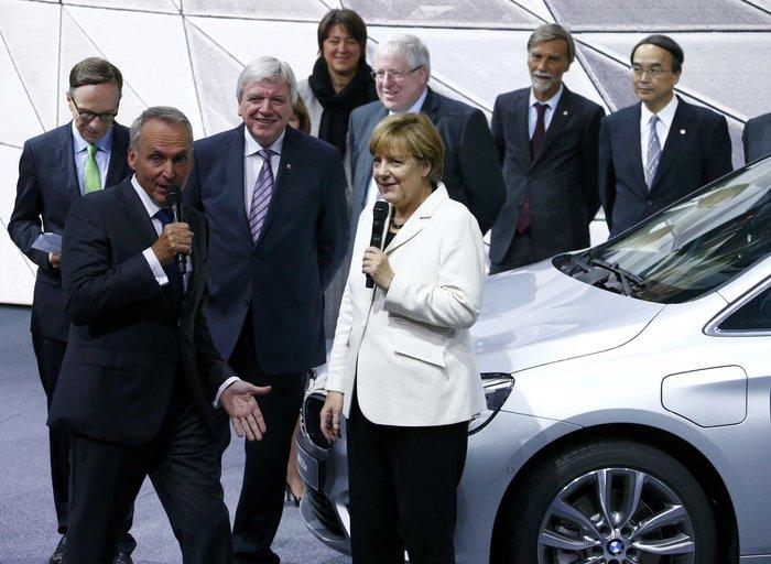 Η Μέρκελ εγκαινίασε την ΄Εκθεση Αυτοκινήτου Φρανκφούρτης. Δείτε φωτογραφίες - εικόνα 3