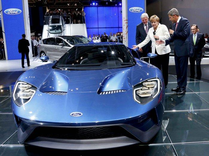 Η Μέρκελ εγκαινίασε την ΄Εκθεση Αυτοκινήτου Φρανκφούρτης. Δείτε φωτογραφίες - εικόνα 5