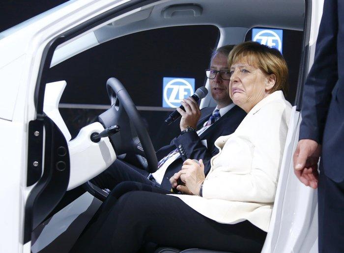 Η Μέρκελ εγκαινίασε την ΄Εκθεση Αυτοκινήτου Φρανκφούρτης. Δείτε φωτογραφίες - εικόνα 7