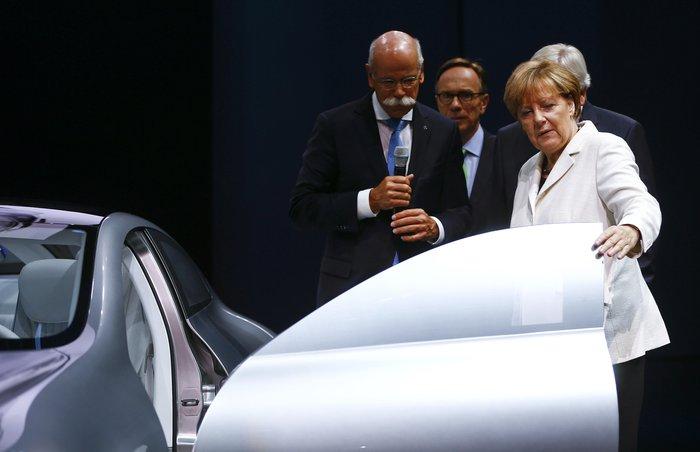 Η Μέρκελ εγκαινίασε την ΄Εκθεση Αυτοκινήτου Φρανκφούρτης. Δείτε φωτογραφίες - εικόνα 8