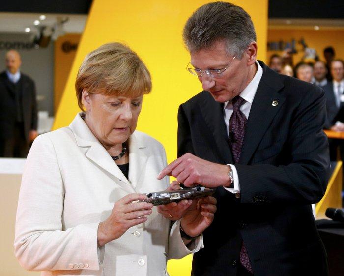 Η Μέρκελ εγκαινίασε την ΄Εκθεση Αυτοκινήτου Φρανκφούρτης. Δείτε φωτογραφίες - εικόνα 10