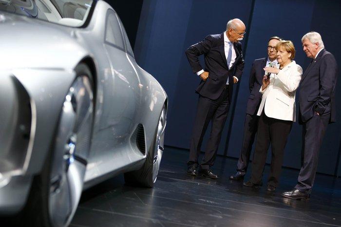 Η Μέρκελ εγκαινίασε την ΄Εκθεση Αυτοκινήτου Φρανκφούρτης. Δείτε φωτογραφίες - εικόνα 11