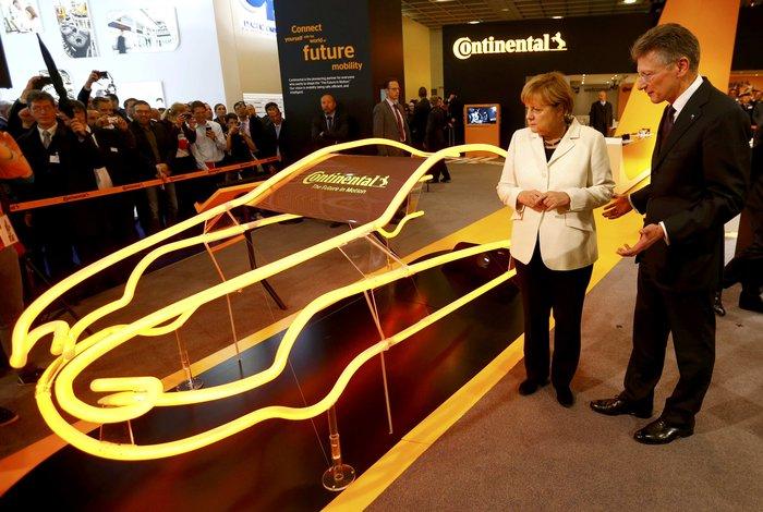 Η Μέρκελ εγκαινίασε την ΄Εκθεση Αυτοκινήτου Φρανκφούρτης. Δείτε φωτογραφίες - εικόνα 12
