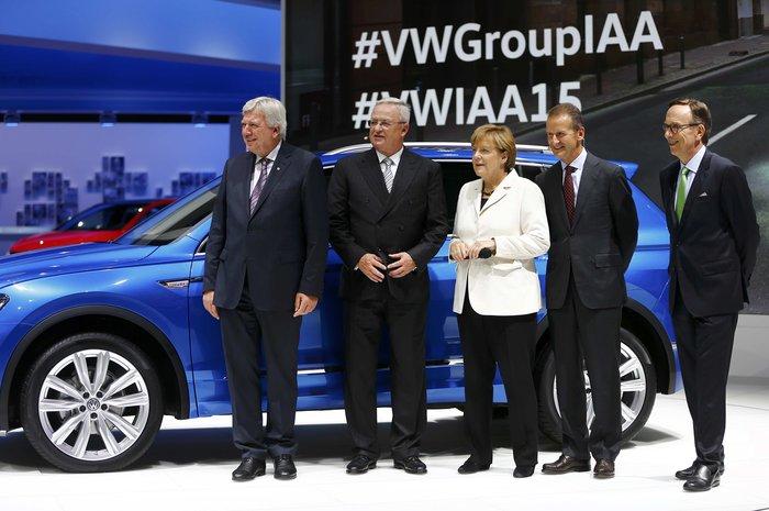 Η Μέρκελ εγκαινίασε την ΄Εκθεση Αυτοκινήτου Φρανκφούρτης. Δείτε φωτογραφίες - εικόνα 14