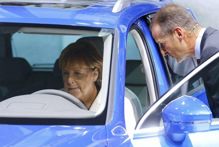 Η Μέρκελ εγκαινίασε την ΄Εκθεση Αυτοκινήτου Φρανκφούρτης. Δείτε φωτογραφίες - εικόνα 15