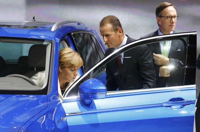 Η Μέρκελ εγκαινίασε την ΄Εκθεση Αυτοκινήτου Φρανκφούρτης. Δείτε φωτογραφίες - εικόνα 16