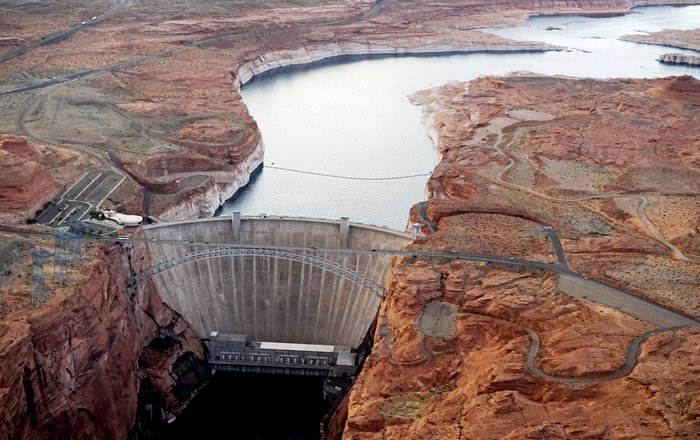 Η λίμνη που ξεγυμνώνεται από την ξηρασία σε εντυπωσιακές εικόνες - εικόνα 12