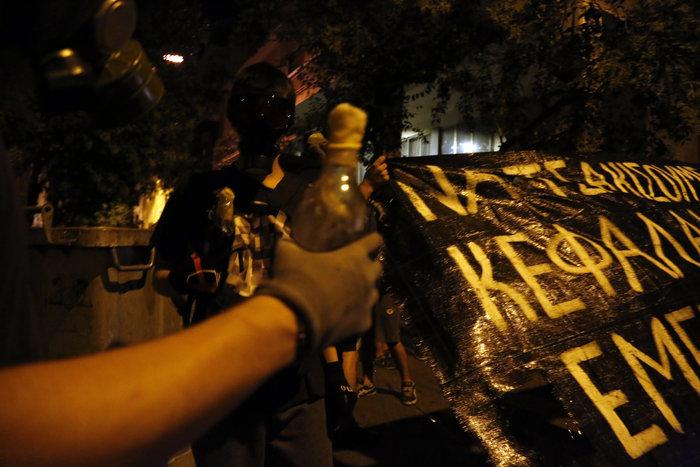 Εννέα συλλήψεις για τα επεισόδια στα Εξάρχεια [φωτο] - εικόνα 4