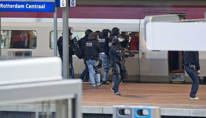 Tρόμος ξανά σε τρένο στο Ρότερνταμ. Εκκενώθηκε και συνέλαβαν ύποπτο - εικόνα 2