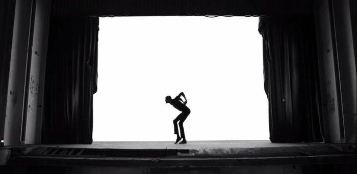 Το νέο βίντεο κλιπ του Stromae για την απόκοσμη «ομορφιά» του καρκίνου - εικόνα 3