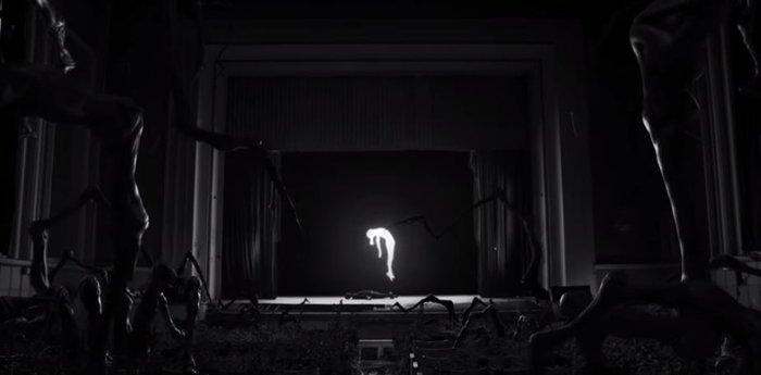 Το νέο βίντεο κλιπ του Stromae για την απόκοσμη «ομορφιά» του καρκίνου - εικόνα 5